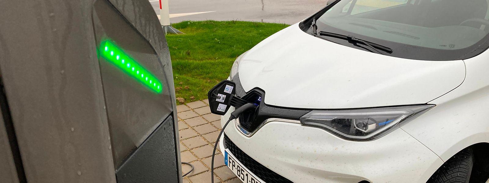 Le site dispose de huit emplacements de rechargement pour véhicules électriques. Une capacité qui pourra être doublée à l'avenir.