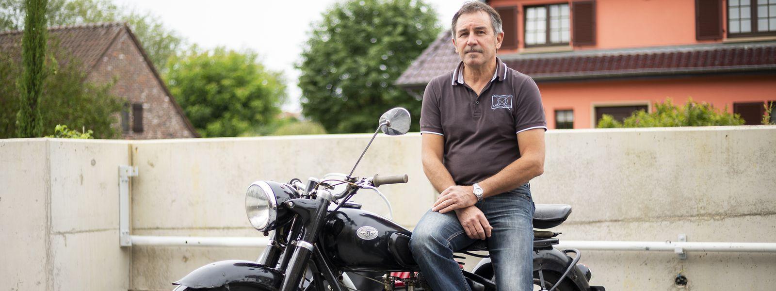 Von klein an ist Guy Laroche von Motorrädern begeistert.