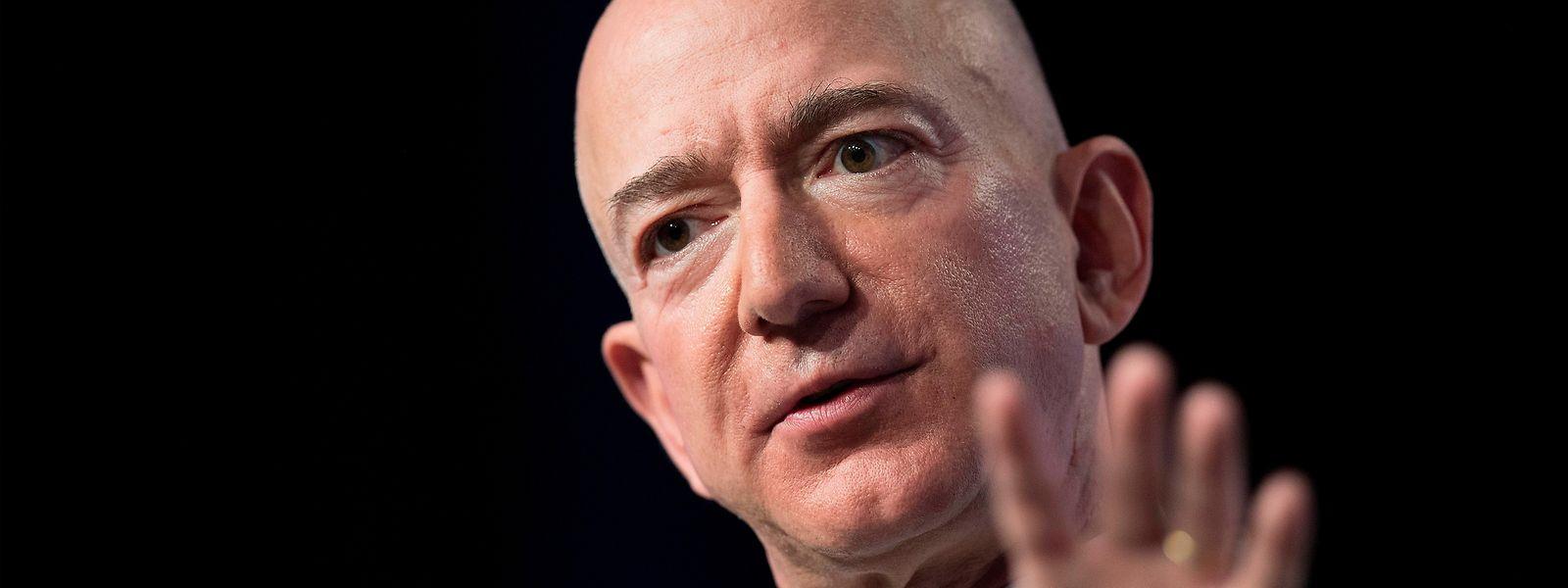 Jeff Bezos führt die Liste an.
