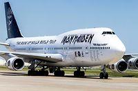 """Die private Boeing 747 """"Ed Force One"""" der britischen Heavy-Metal-Band Iron Maiden, geflogen von Leadsänger Bruce Dickinson, auf dem Flughafen Schiphol."""