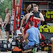 Drei Stunden suchten Rettungskräfte und Taucher nach dem Vermissten, bis sie seine Leiche an Land zogen.