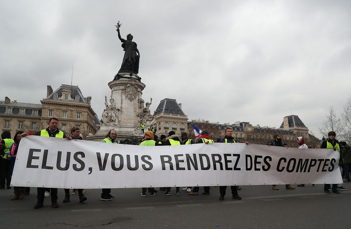 Die Proteste an der Place de la Republique verliefen überwiegend friedlich.