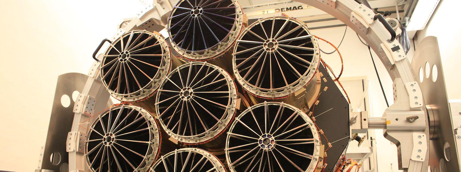 Das Röntgenteleskop eRosita. Es besteht aus sieben identischen Spiegelmodulen mit je 54 Spiegelschalen. (zu dpa Russische Rakete bringt deutsches Teleskop eRosita im All) Foto: Peter Friedrich/MPE/dpa - ACHTUNG: Nur zur redaktionellen Verwendung und nur mit vollständiger Nennung des vorstehenden Credits +++ dpa-Bildfunk +++