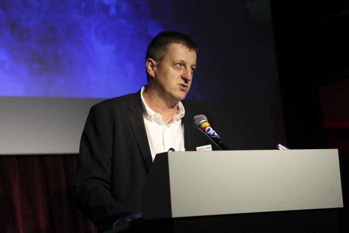Robert Hever, Direktor für Werbung, Anzeigen, Vertrieb und Marketing bei Saint-Paul.