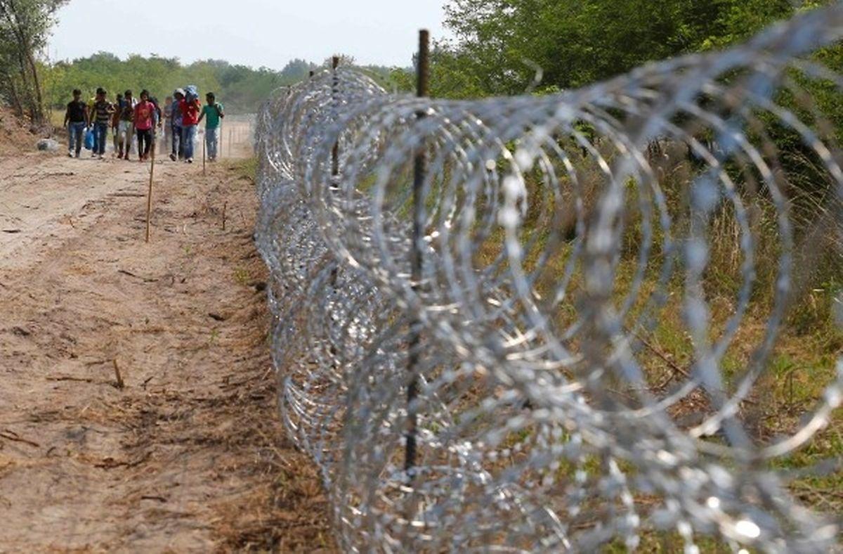 Ungarn hat mit dem Aufbau eines 175 Kilometer langen Zauns begonnen.