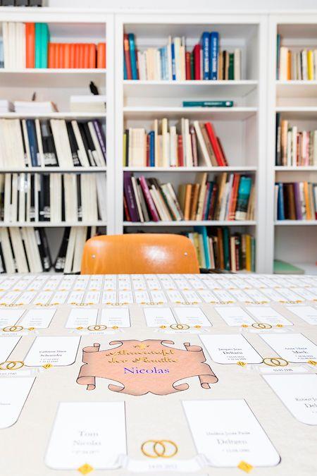 Im Vereinsraum in Walferdingen stehen in den Regalen, fein säuberlich markiert, mehr als 2.000 Bücher, davon 1.700 Familienbücher.