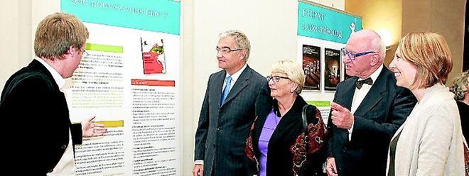 Kammerpräsident Laurent Mosar und Ministerin Marie-Josée Jacobs engagieren sich für den Kampf gegen die sexuelle Ausbeutung von Kindern.