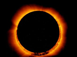 La Lune doit mettre deux heures à traverser le soleil mais l'éclipse annulaire n'est visible qu'environ une minute.