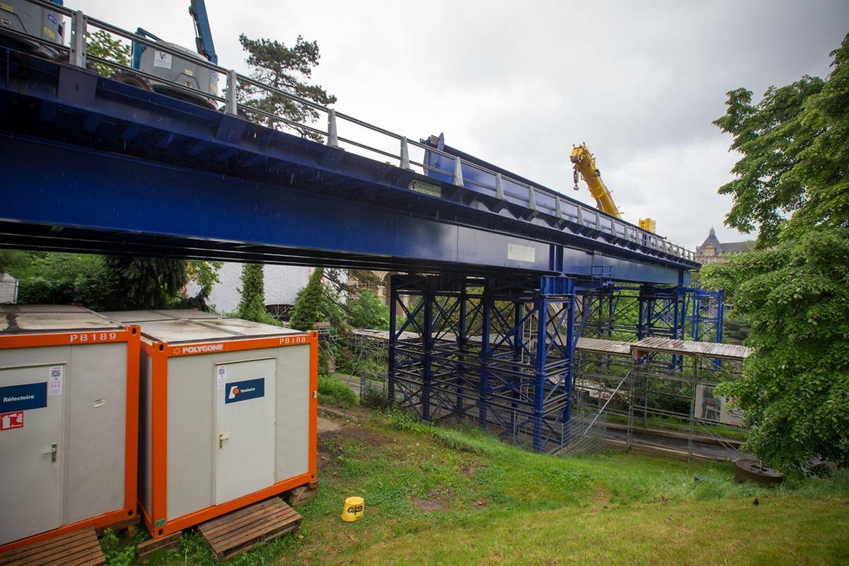 Die blaue Brücke war nur gemietet - sie geht nun zurück an den Hersteller...