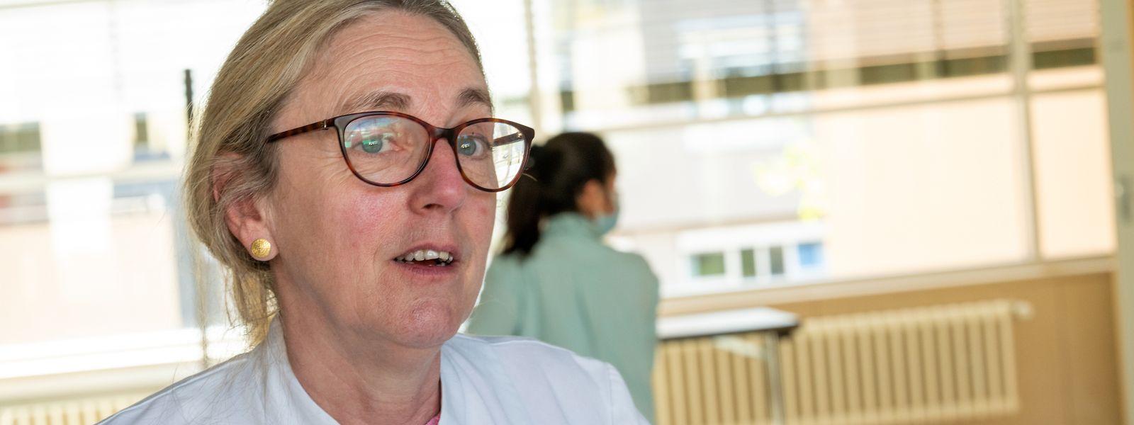 «Nous avons recommandé aux personnes de moins de 30 ans de ne pas se faire vacciner du tout avec AstraZeneca», indique le Dr Staub