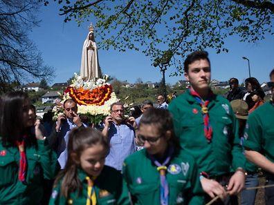 La procession du jeudi de l'Ascension ne conduira pas les pèlerins de Notre-Dame de Fatima sur la colline «op Baessent» cette année mais au bord de la Wiltz sur l'ancien terrain de foot