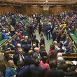 Die Abgeordneten machten den Weg frei für den Brexit nach den Vorstellungen von Theresa May.