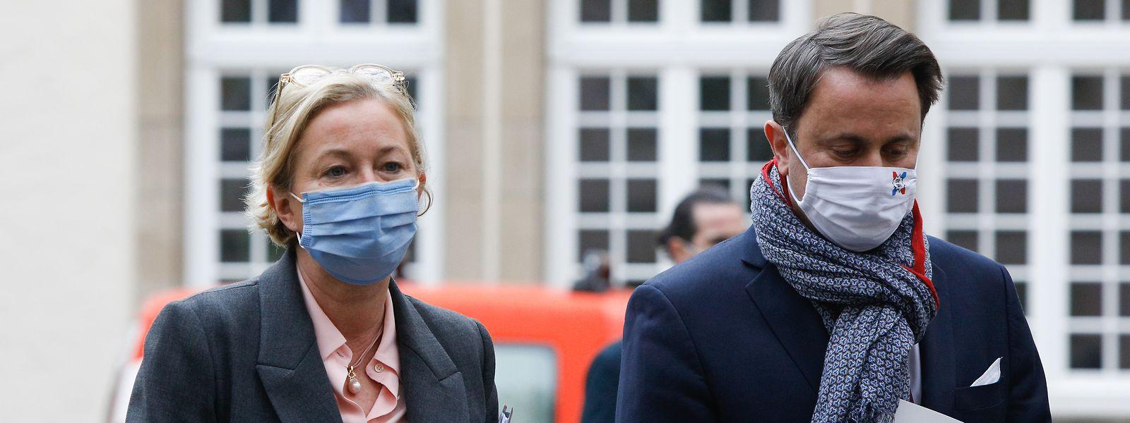 Favoriser le retour à la normale ou la prudence sanitaire? La question se pose à nouveau à Paulette Lenert et Xavier Bettel.