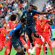 Samuel Umtiti (5) já cabeceou para o golo que deu a vitória à França.
