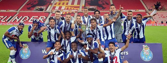 O FC Porto é o detentor do troféu da Premier League International Cup em futebol.
