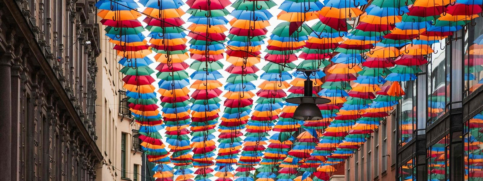 O Umbrella Sky Project em Estocolmo