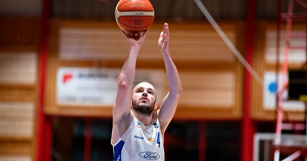 Ettelbr-cker-Basketballer-feiern-Kantersieg