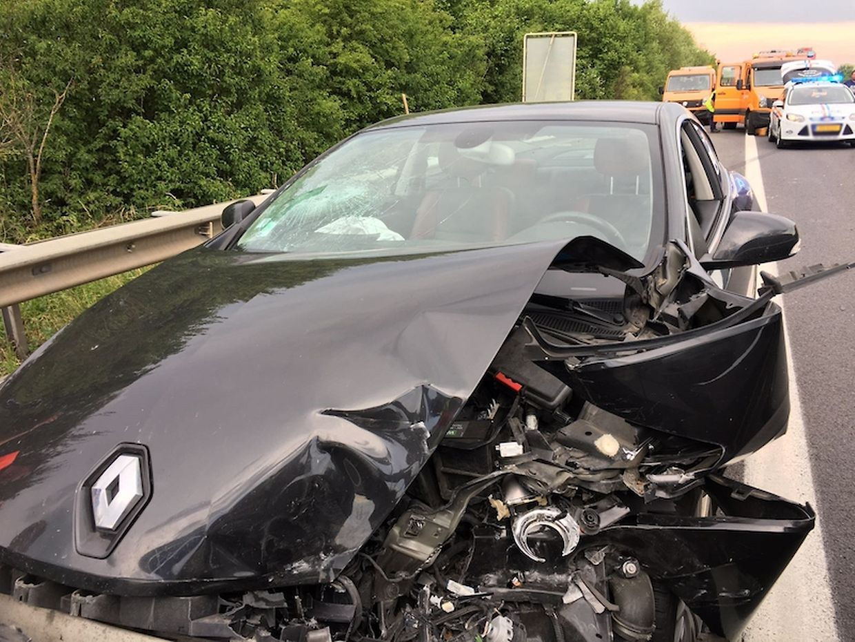 An beiden Autos entstand hoher Sachschaden.