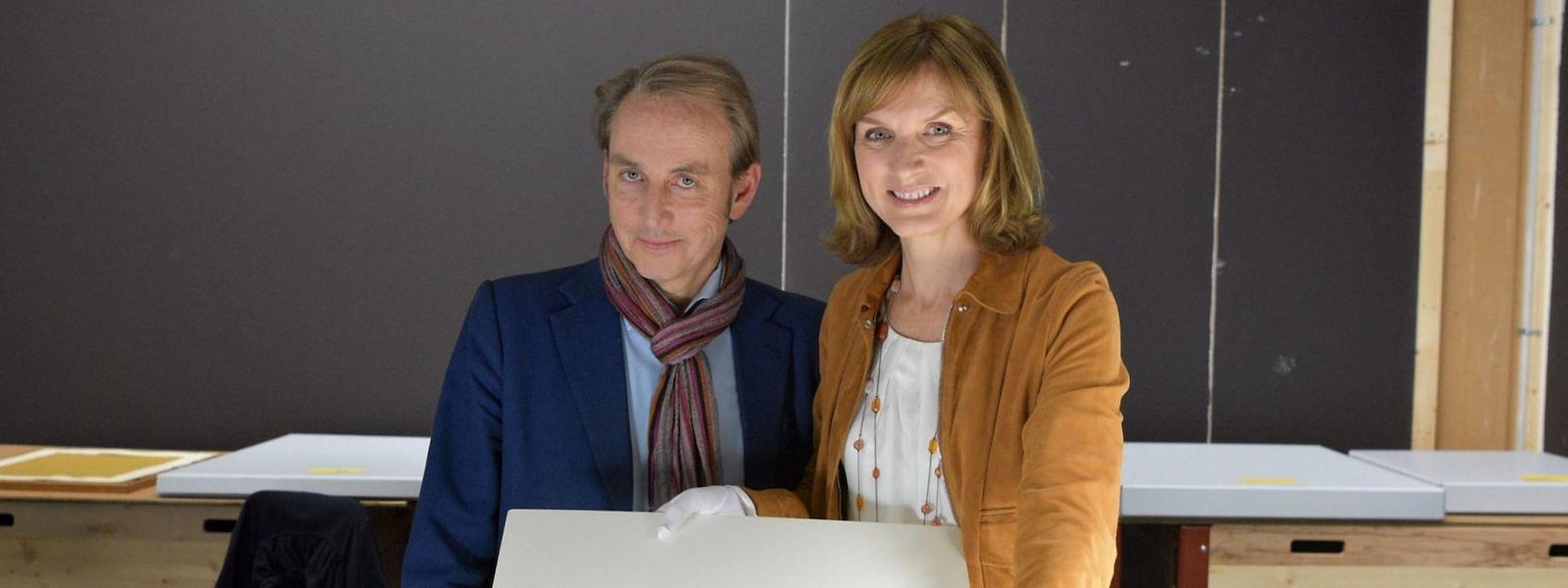 Philippe Mould und Fiona Bruce suchen mit ausgeklügelten Methoden nach Originalen.