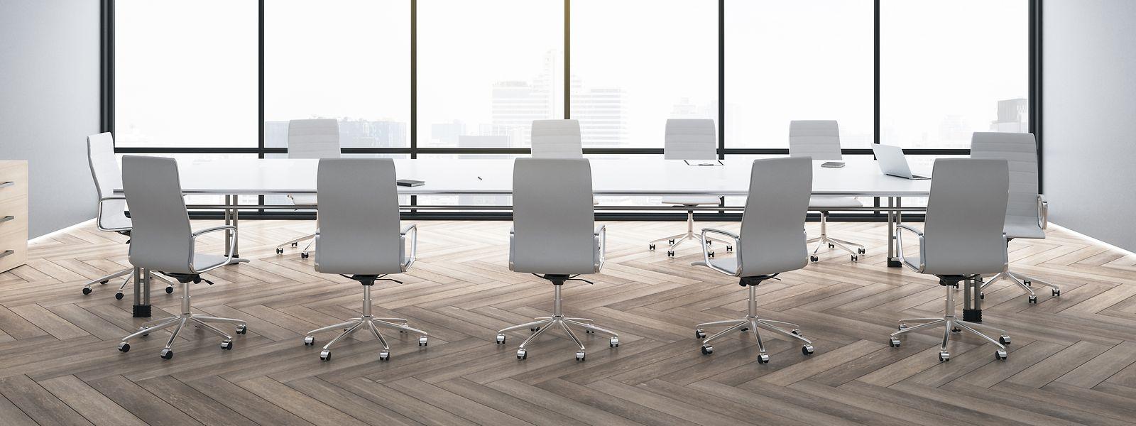 Verlassene Konferenzräume: Homeoffice, kaum noch Geschäftsreisen und Social Distancing nagen am Geschäftsmodell von Regus und Co.