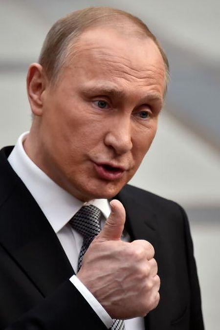 Daumen hoch für den Brexit: Russlands Präsident Vladimir Putin.