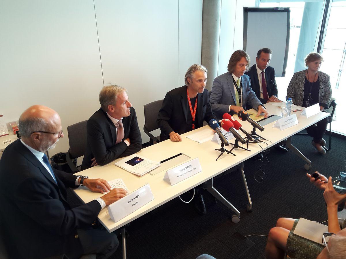 """Die Verantwortlichen von """"Luxairport"""", """"Luxair"""" und der """"Administration de la navigation aérienne"""" hatten am Mittwochmorgen eine Pressekonferenz einberufen."""