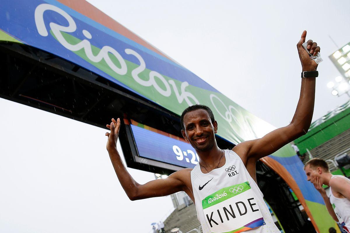 Kurz vor dem Start freut sich Yonas Kinde auf seinen ersten olympischen Marathon.