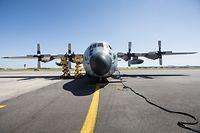 Politk, Besichtigung François Bausch der Militärischen Luftfahrt Basis von Melsbroek, Foto: Lex Kleren/Luxemburger Wort
