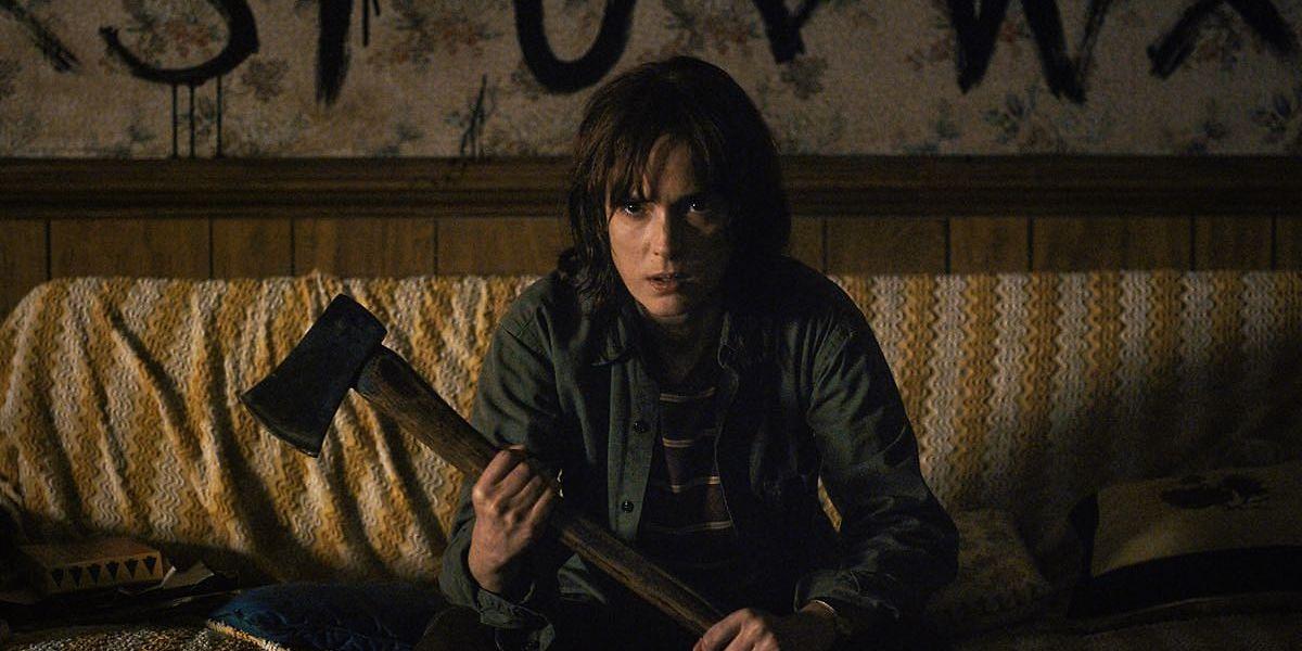 Face aux évènements étranges dans la nouvelle série Stranger Things, Winona Ryder doit s'attendre à tout.
