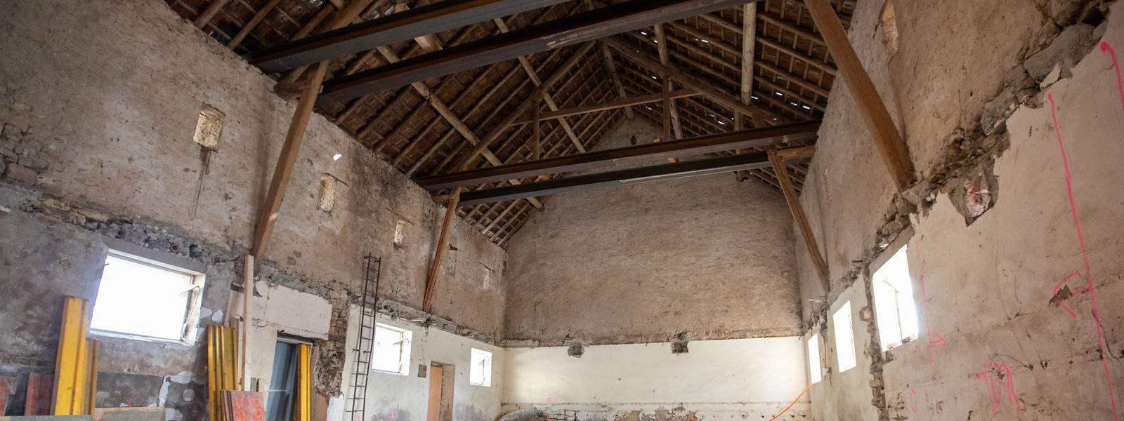 Wenn die alte Scheune umgebaut ist, wird sie ein Dorfcafé und einen Raum für Feiern enthalten.