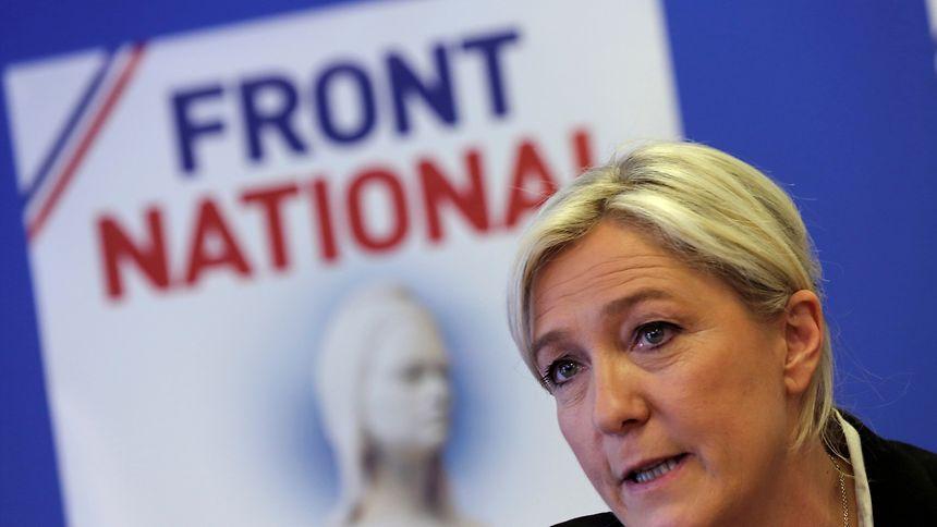 Nach ihrer Niederlage bei den Präsidentschaftswahlen zeigte Marine Le Pen, dass sie noch gewinnen kann. 58,6 Prozent schaffte sie als Kandidatin in ihrem nordfranzösischen Wahlkreis Hénin-Beaumont.