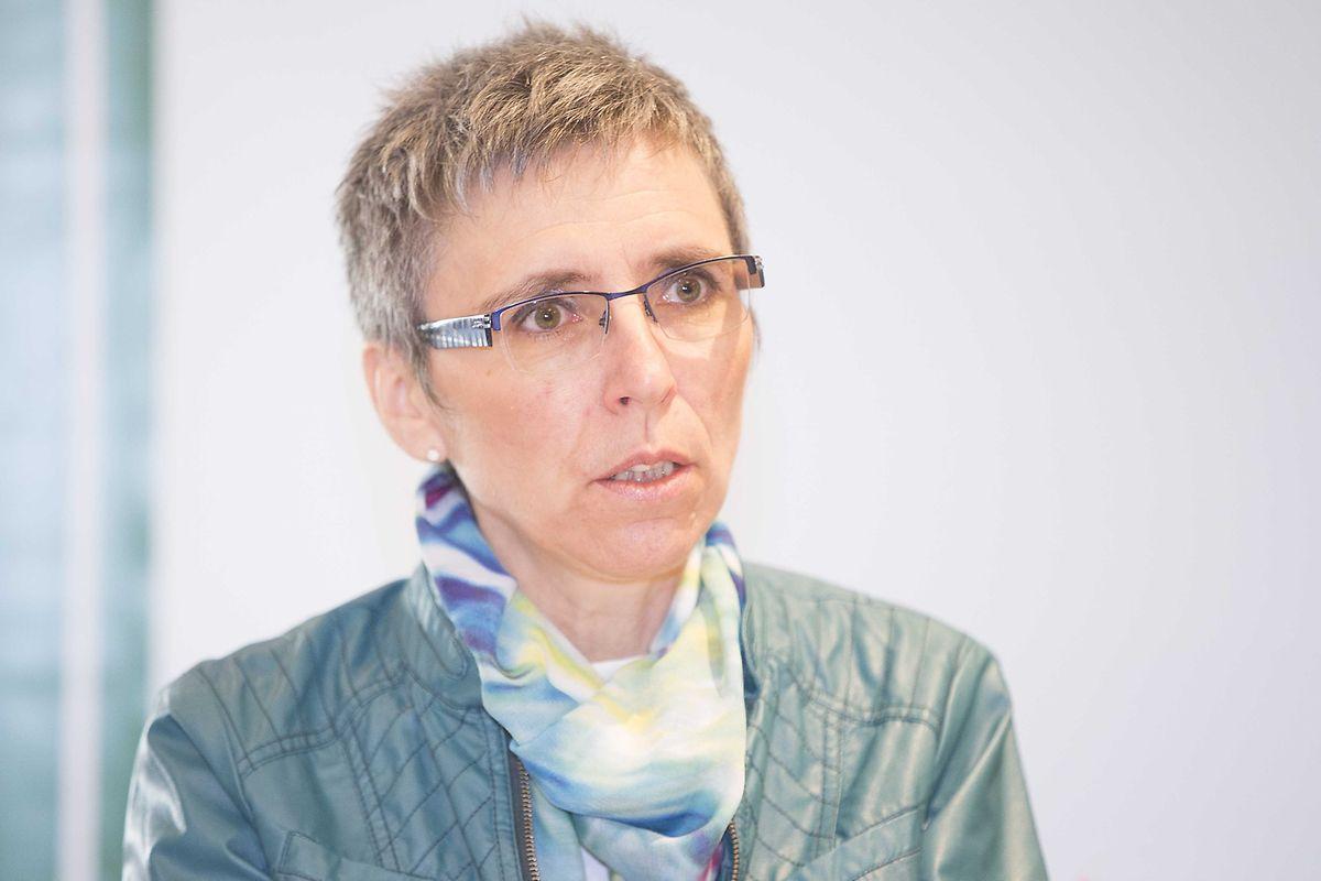 Autorin Monique Follmann-Fohl macht in der Broschüre auf das Thema Geldsorgen aufmerksam.