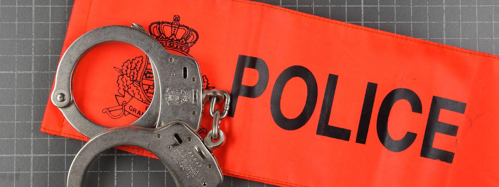 Der jahrelange Betrug kommt ans Licht, als in den Büros der Kriminalpolizei ein Geldumschlag mit 600 Euro verschwindet.