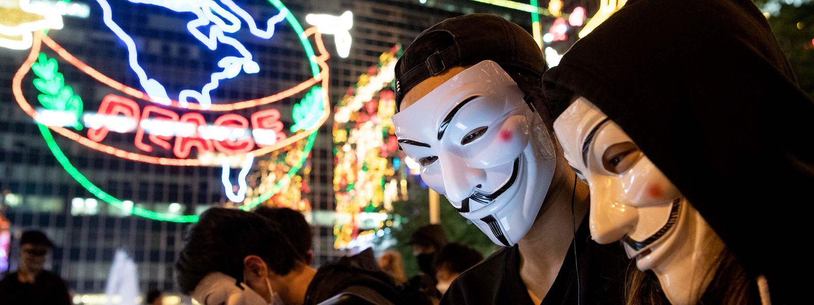 Les manifestants ont choisi le look d'un célèbre rebelle pour défier le pouvoir chinois.