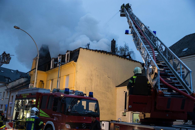 Die Brandursache steht noch nicht fest.