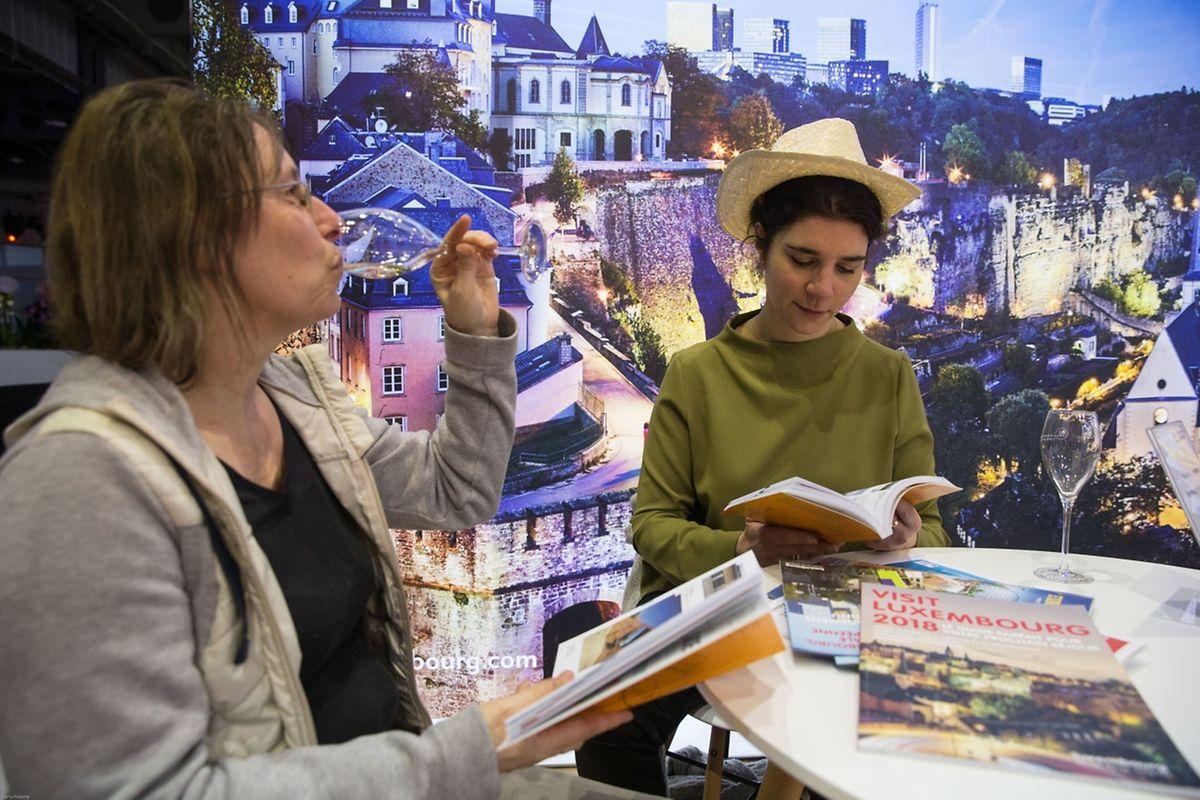 """Zahlreiche Besucher hatten bereits am Freitag den Weg auf die Tourismus-Messe """"Vakanz"""" gefunden, um sich auf der Suche nach Urlaubsideen inspirieren zu lassen."""
