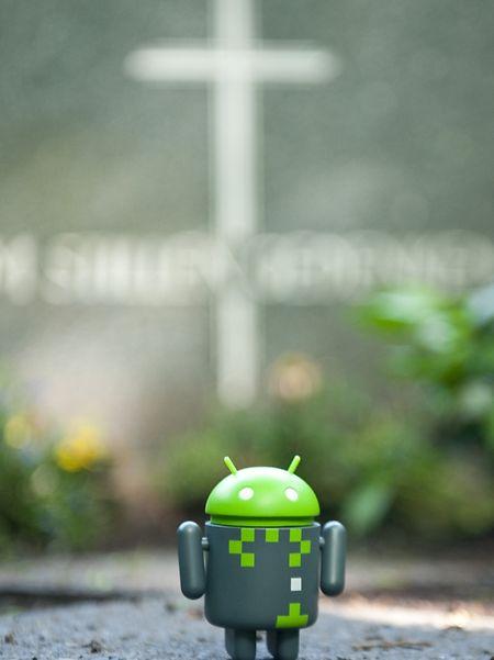 Um Android-Smartphones vor Schäden zu schützen, gibt es zahlreiche Antiviren-Apps. Meistens sind sie aber nicht nötig - das Betriebssystem hat schon eingebaute Schutzmechanismen.