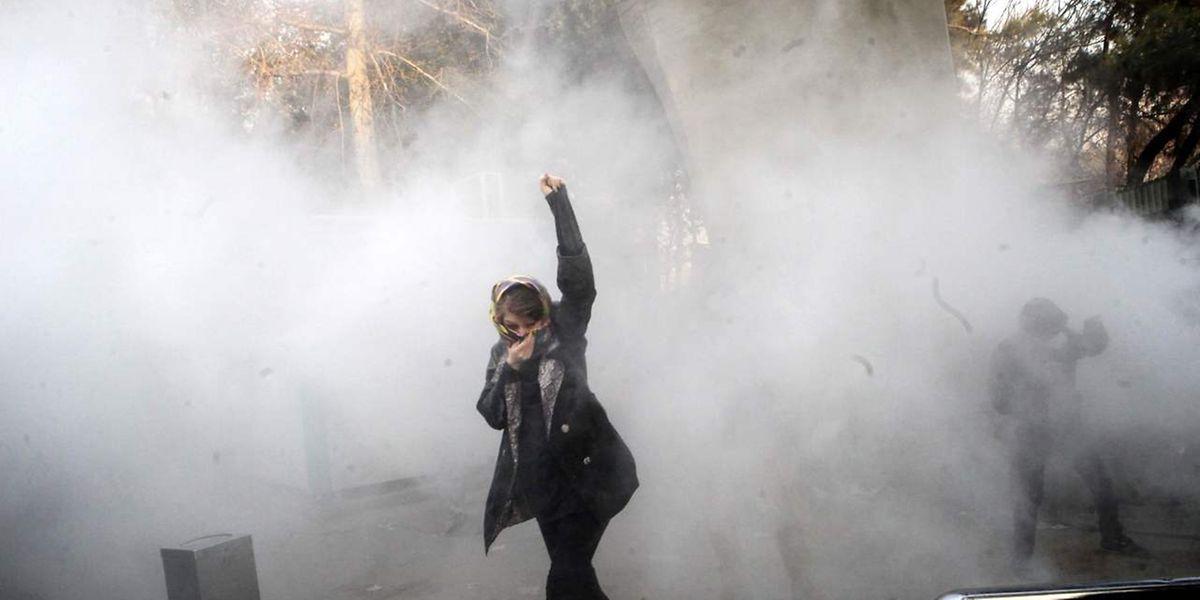 Die Proteste im Iran sollen bisher zwei Menschen das Leben gefordert haben.