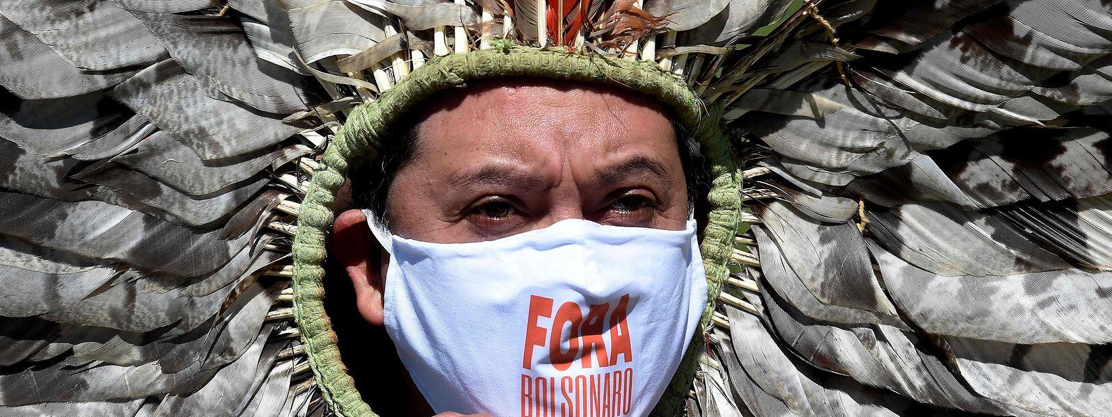 Indigene Völker fordern die Absetzung von Bolsonaro.