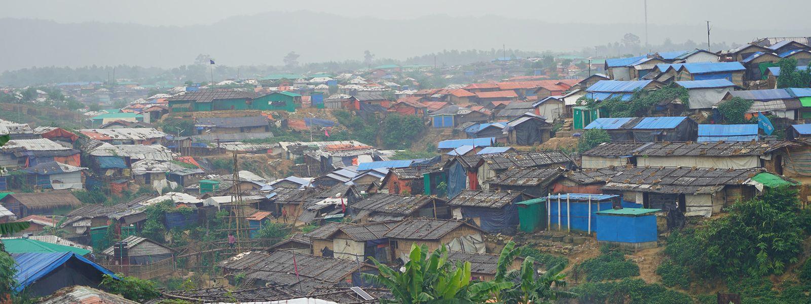 In den Flüchtlingslagern in Bangladesch lebt rund eine Million Rohingya auf engstem Raum.