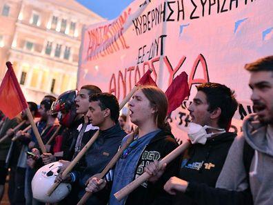 Vor allem junge Leute protestierten gegen die neuerlichen Kürzungen.