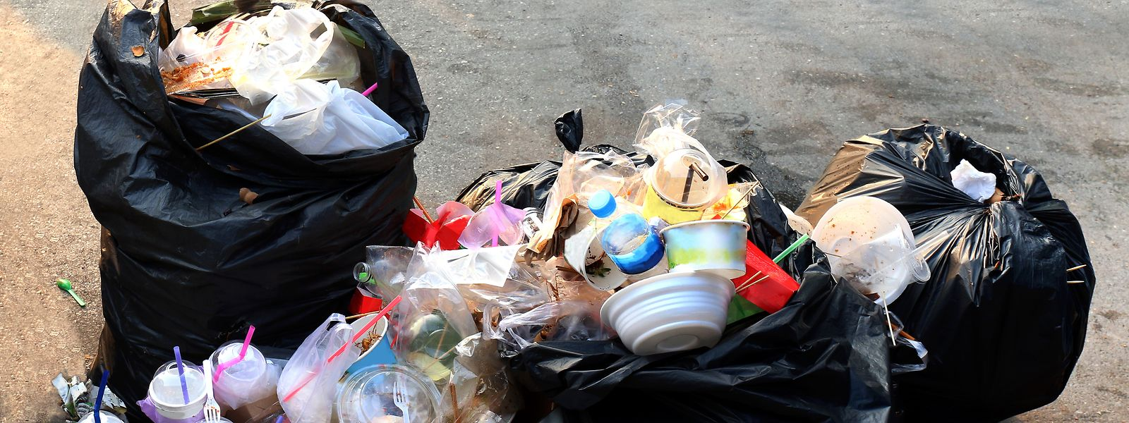 Ein Großteil der Plastikabfälle landet hierzulande im Restmüll.