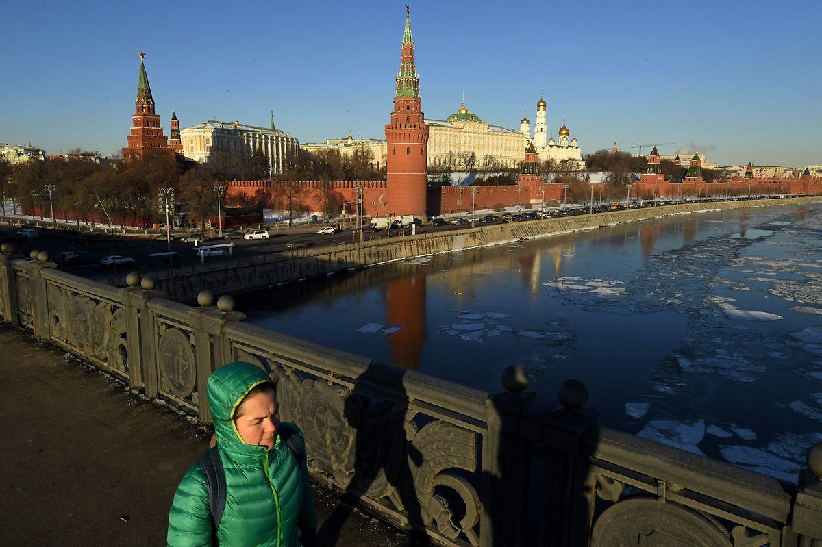 Jeden Monat fliessen Milliardenbeträge aus Russland ins Ausland.
