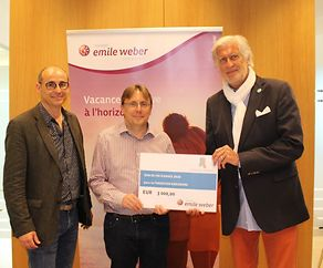 Remise de don de Voyages Emile Weber à la Fondation Kräizbierg