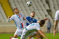 Danel Sinani und die Luxemburger verspielen gegen Zypern um Ioannis Pittas (r.) eine frühe Führung.