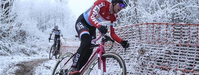 Christian Helmig mag es eher dreckig. Im Schlamm kann er nämlich mit seiner Kraft punkten. Auf gefrorener Strecke sind andere Fahrer dem Titelverteidiger voraus.