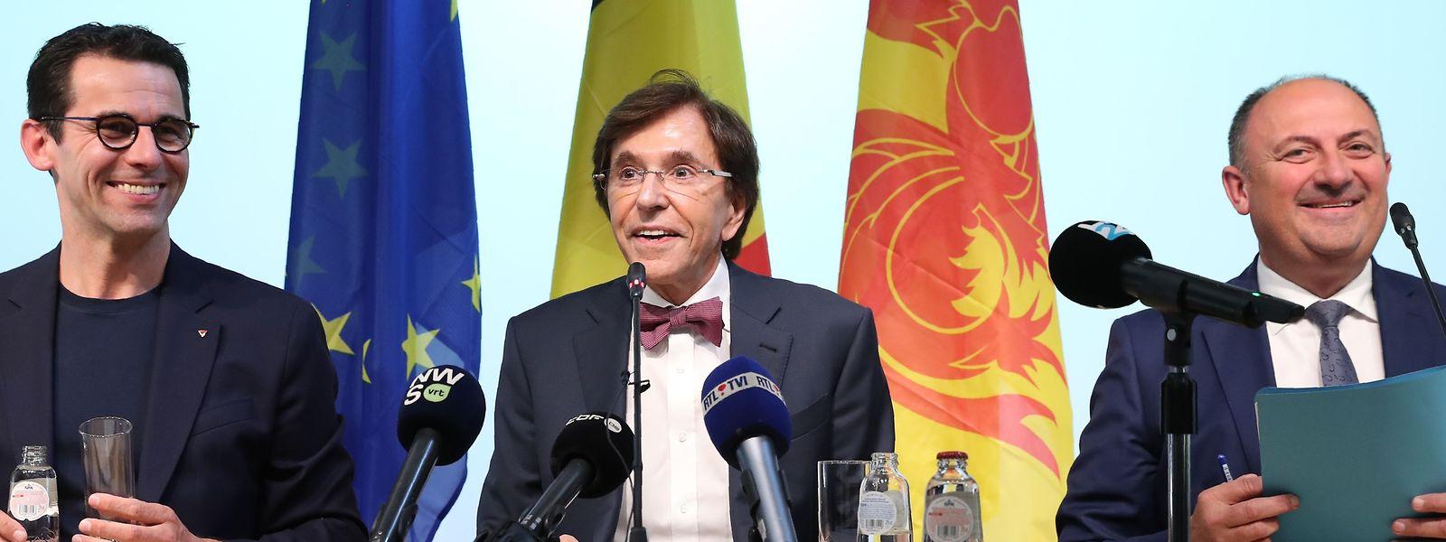 Jean-Marc Nollet (Ecolo), Elio Di Rupo (PS) et Willy Borsus (MR) ont dévoilé les grandes lignes de leur accord.
