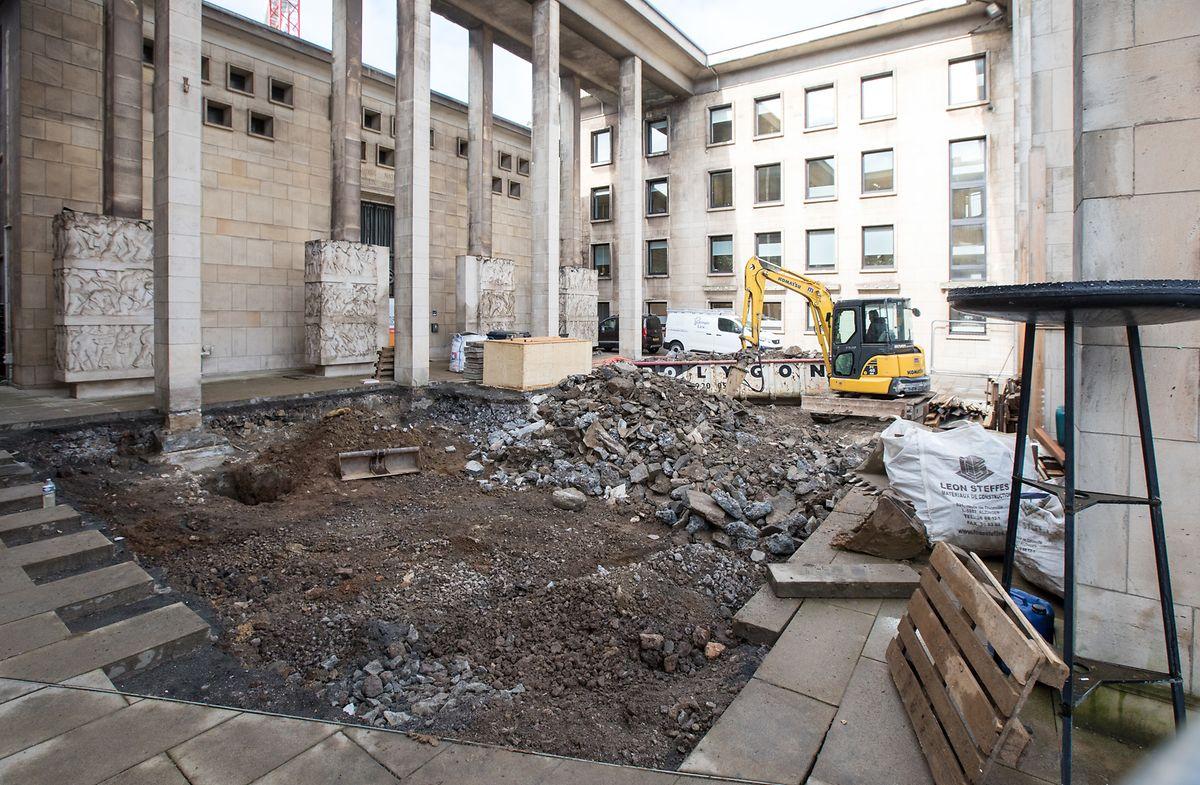 Die Knochen wurden unter dem Vorhof des Museums entdeckt.