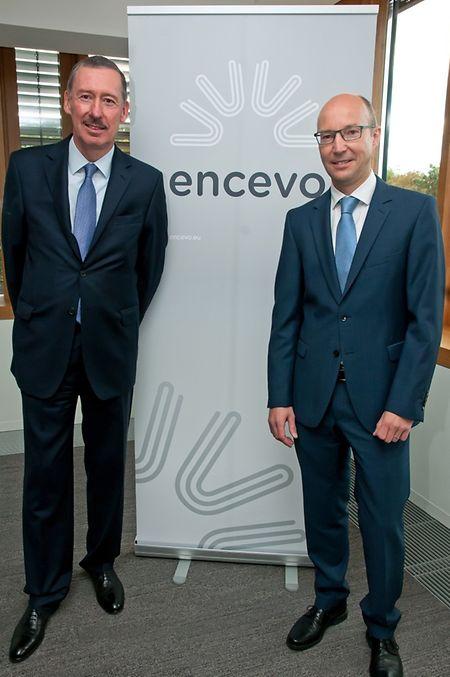 CEO Jean Lucius und der Verwaltungsratspräsident Marco Hoffmann präsentieren das neue Logo.