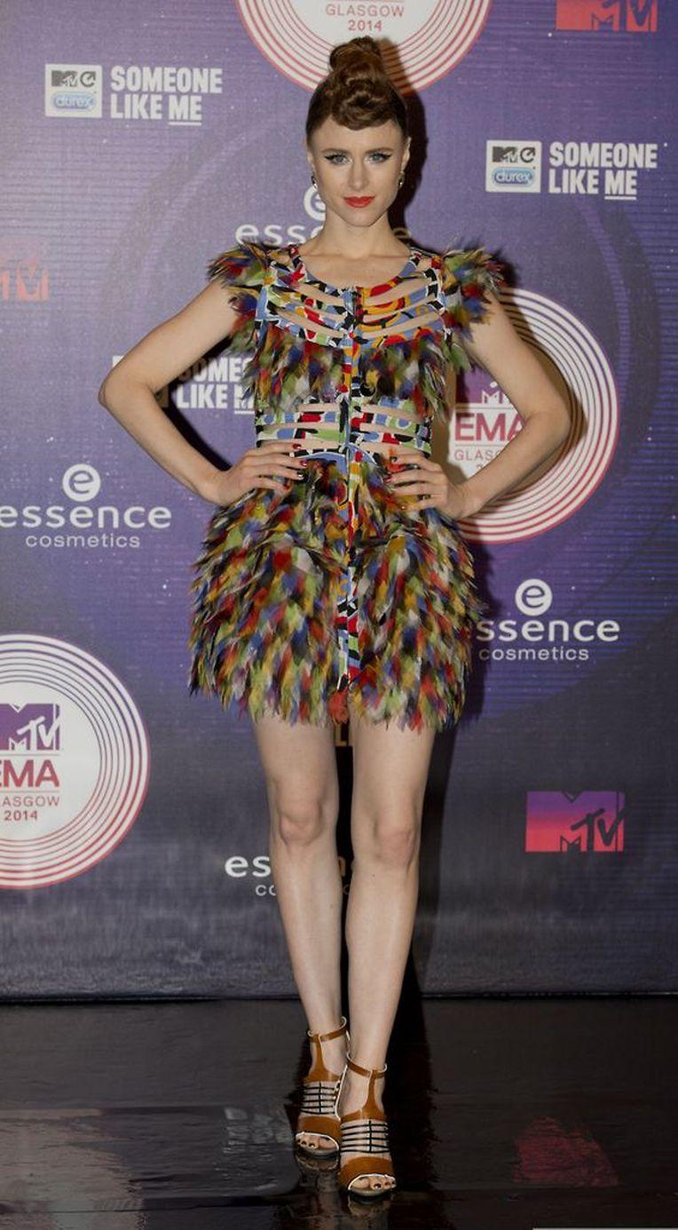 Die kanadische Singer-Songwriterin Kiesza zeigte sich vor der Show im bunten Flatterkleidchen.